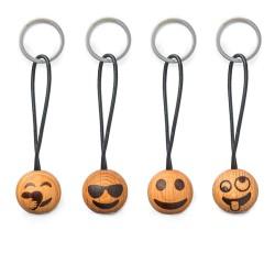 sølv kors armbånd.